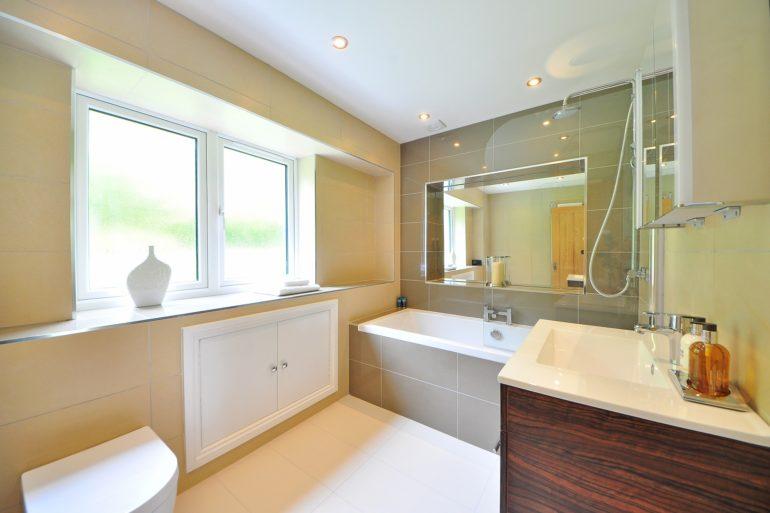 salle-de-bain-PMR